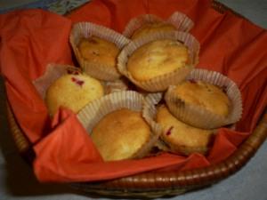 Muffinsseja korissa