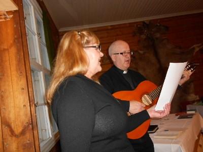 Timo ja Riitta Kuutti lauloivat