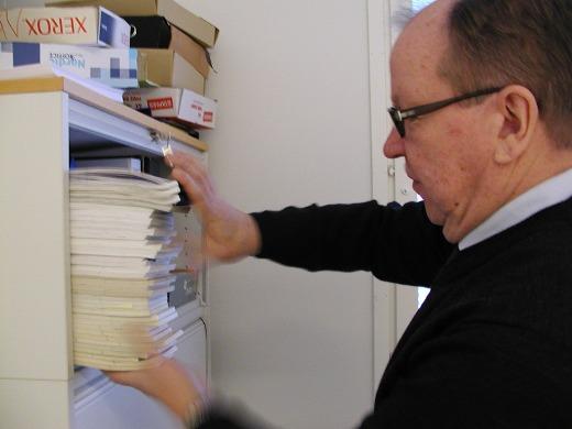 Kaikki noiden vuosien pöytäkalenterit ovat tallessa työhuoneen kaapissa.
