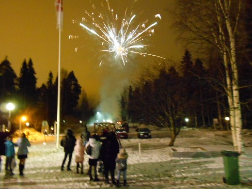 Bomba-talolla Nurmeksessa oli komea ilotulitus.