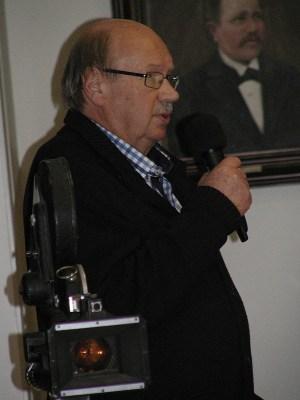 Aapo Pekarilla oli mukanaan elokuvakamera, jollaisella TV-elokuva filmattiin.