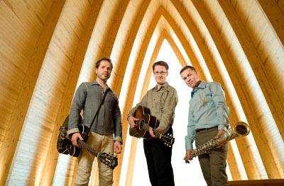 Jukka Perkon Avara-yhtye on koskettanut tuoreilla virsisovituksillaan tuhansia kuulijoita ympäri Suomen.