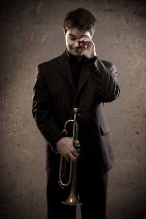 Avara-yhtyeen toisena solistina Savitaipaleella kuullaan nuorta trumpettimestari Verneri Pohjolaa.