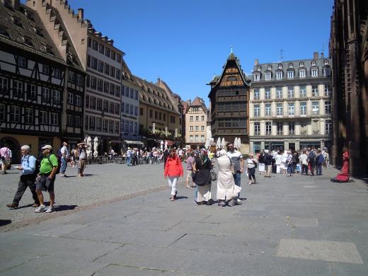 Ranskan Strasbourgissa hellivät helle ja runsaat nähtävyydet.