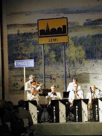 Lemin musiikkijuhlat päättyivät tänään sunnuntaina iltapäivällä aurinkoisissa tunnelmissa Dallapé –viihdeorkesterin konserttiin.