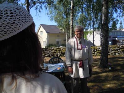 Kahvit oli jo juotu, kun Juha Junnonen ilmestyi paikalle.