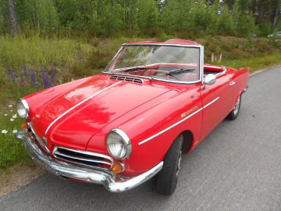 Jostain syystä pienet söpöt autot  herättivät naisihmisessä sympatiaa, ajeleehan itsekin sillä pienellä punaisella.