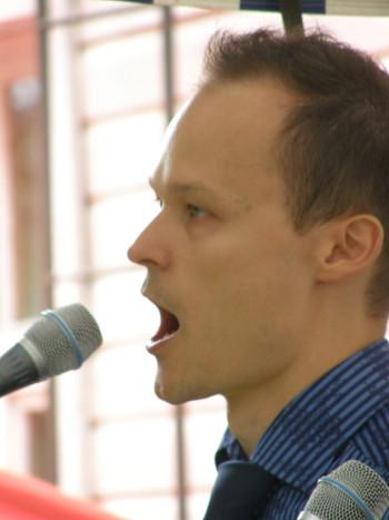 Ville Rusanen Lemin torilla vuoden 2010 musiikkijuhlilla.