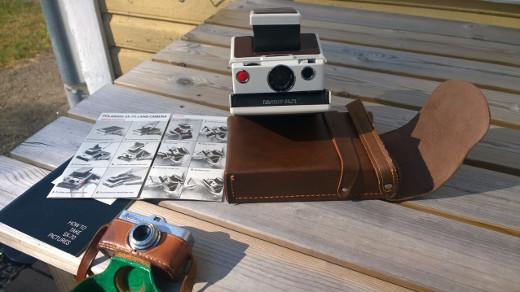 Kenraali Lauri Koho ja kamerat Microma & Polaroid Land