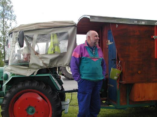 Gerhard Bullinger ajoi vanhalla traktorillaan Etelä-Saksasta Jäämeren rantaan ja takaisin.