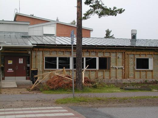 Nyt puretun kokoinen koulu maksaisi liki yhdeksän miljoonaa euroa.