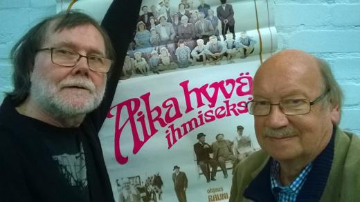 Hannu Peltomaa (vas,) ja Aapo Pekari tuovat Lemille elokuvan Aika hyvä ihmiseksi.