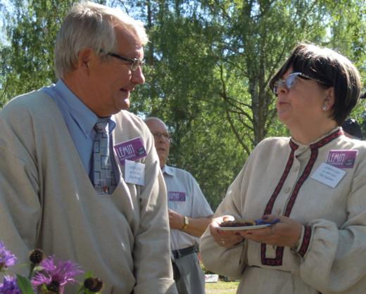 Nykyinen Esko Olavi Punkka ja neljän vuoden takainen Esko Pirjo Nykänen kuvattuna viime kesänä.