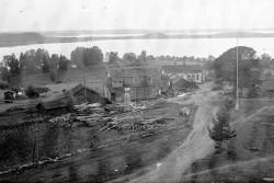 Vanhan osuuskaupan edessä rakennustarpeita…
