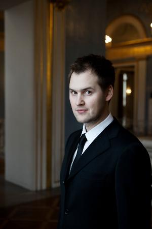 Jussi Myllys iloitsee mahdollisuudesta esittää liedejä Lemin kirkossa.
