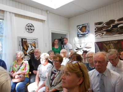 Kuva on Paimensaaren näyttelyn avajaisista.