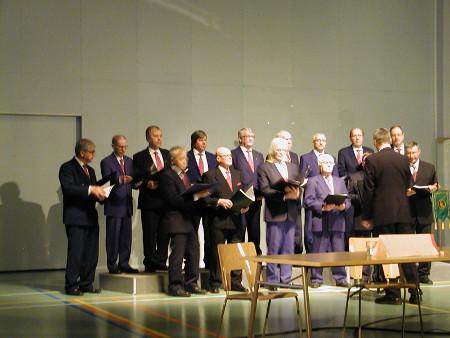 Lemin Laulumiehet esittivät muun muassa Suksimiehen laulun.