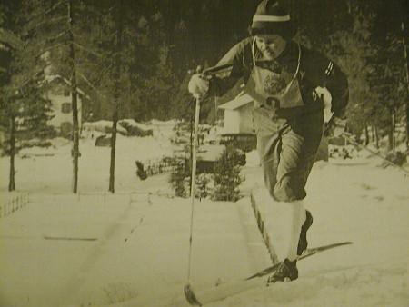 Mirja Hietamies Cortinan laduilla 1956.
