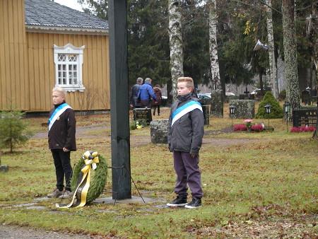 Kunniavartiossa olivat Elmo Jukanen (vas.) ja Daniel Sihvo.