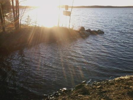 Kivijärvi lainehti tuolloin vielä auringonpaisteessa.