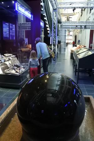 Museossa pyörii savitaipalelaisen Eero Vainikan sorvaama kivi.