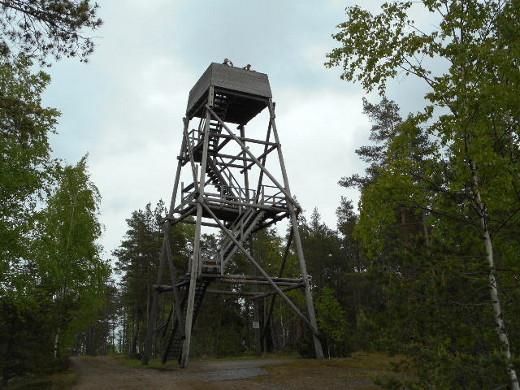 Sateesta huolimatta retki oli todella antoisa, kiipesivätpä reippaimmat kotimatkalla vielä Klamilan kuuluun kallionpäälystorniin.