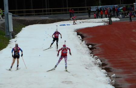 Jos silloin hiihtivätkin miehet, niin nyt oli naisten vuoro.