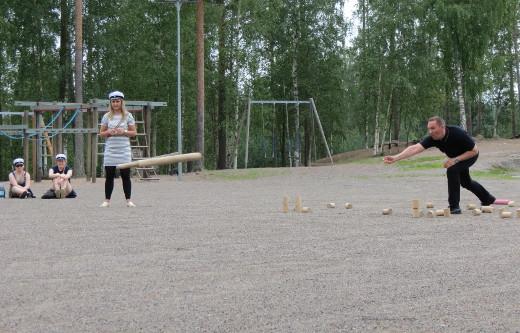 Kunnanjohtaja Jussi Stoorin johdolla Lemi voitti ottelun.