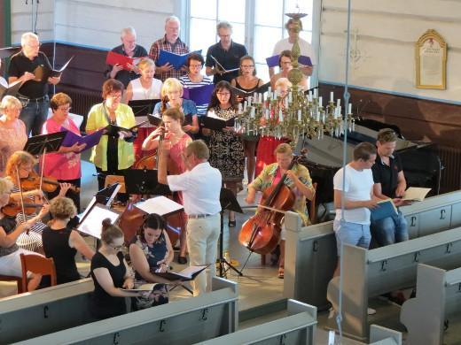 Avajaiskonsertissa torstai-iltana esiintyvä Etelä-Karjalan klassinen kuoro ja ko