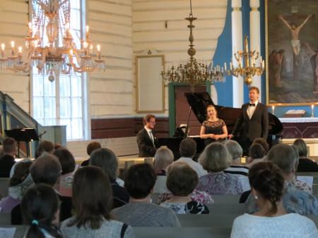 Konsertto huipentui Oskar Merikannon yksinlauluihin ja duettoihin.