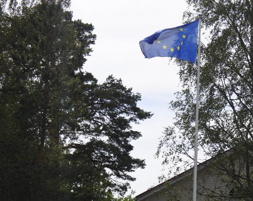 Kunta liputtaa Euroopan yhtenäisyyden kunnniaksi.