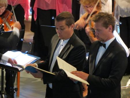 Solisteina kuultiin myös Tuomas Katajalaa (vas.) ja Kristian Lindroosia. Kuva: Tarja Lindfors/Lemin musikkijuhlat.