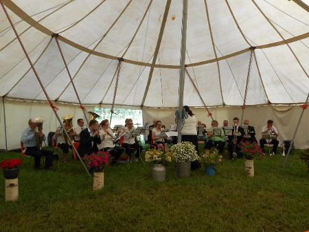Kylliälässä saatiin nauttia perinteisestä Montolan puhallinorkesterin konsertista.