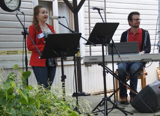Sopraano Suvi Väyryselle ja pianisti Jukka Nykäselle lauantaiaamun torikonsertti oli jo kolmas esiintyminen Lemin tämänvuotisilla musiikkijuhlilla.