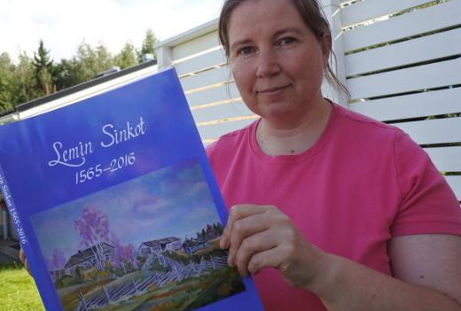 Jaana Sinkko kokosi kirjan tietoja kuusi vuotta jatkaessaan Eino Suonion alkamaa työtä.