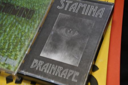 Tästä se alkoi: Brainrape oli yhtyeen ensimmäinen äänite.