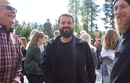 He tapasivat myös Hyrden isän Pekka Hyyrysen (vas.).
