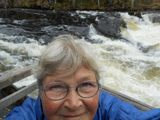 Tämä selfie on otettu Rukan Myllykoskella.