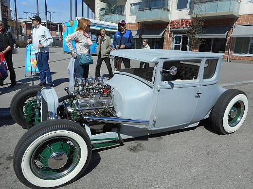 Tämä vuoden 1926 mallinen Ford oli juuri tullut Amerikasta, rekisterikilpiäkään ei vielä ollut,