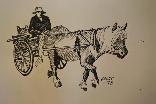 Esillä on myös hänen kuvituksensa Heituinlahden kylähistoriateokseen.