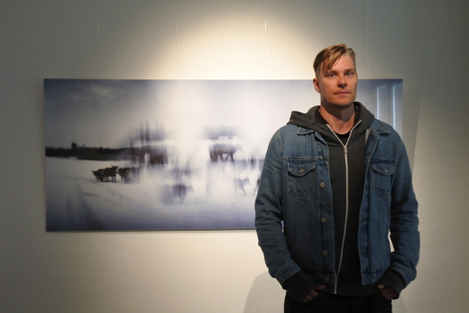 Mikko Haiko on kuvannut kotiväkeään ja kotikylän elämää - eläimiä unohtamatta.