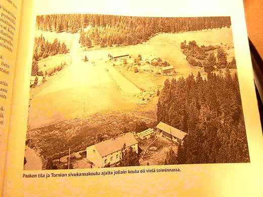 Tornioon vie vasta ilmestynyt kyläkirjakin.