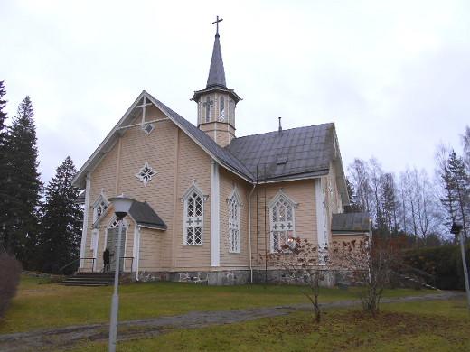 Tämä Suomenniemen kolmas kirkko, kaunis pitsikirkko, rakennettiin 1866.