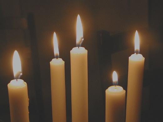 On aika sytyttää kynttilöitä, nauttia pitkästä jouluviikonlopusta,
