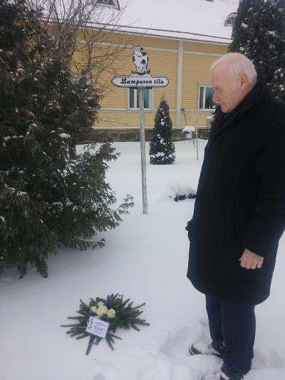 Tilaisuuteen otti osaa myös yhdistyksen hallitukseen kuuluva Tauno Outinen.