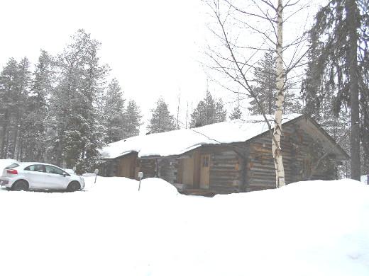 Huttukerossa oli huhtikuun lopulla runsaasti lunta.