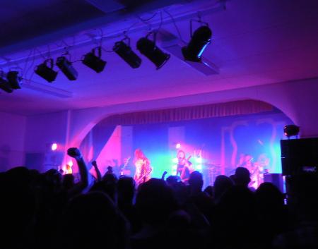 Stam1na on kuuluisin Lemin 13 metalliyhtyeestä. Kuva yhtyeen 20-vuotisjuhlista Tapiolassa.