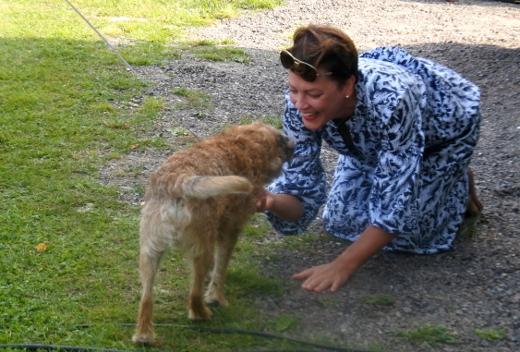 Sopraano Mari Palo tapasi kymmenen vuoden jälkeen terrieri Touhon.