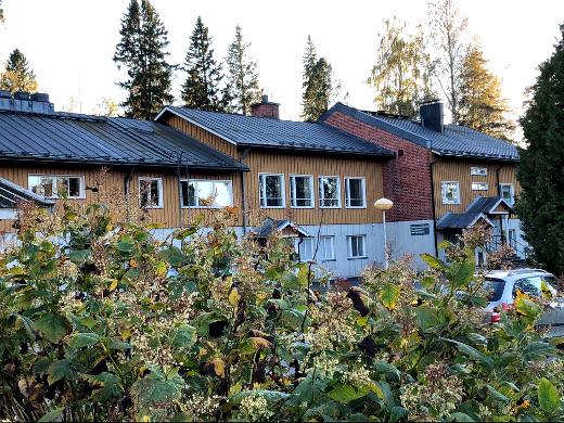 Ääänestyspaikkana Lemillä on seurakuntatalo. Äänestysaika on kello 11-20.