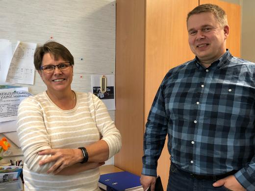 Vapaa-aikasihteeri Kati Ahonen ja tekninen johtaja Tommy Westerlund.
